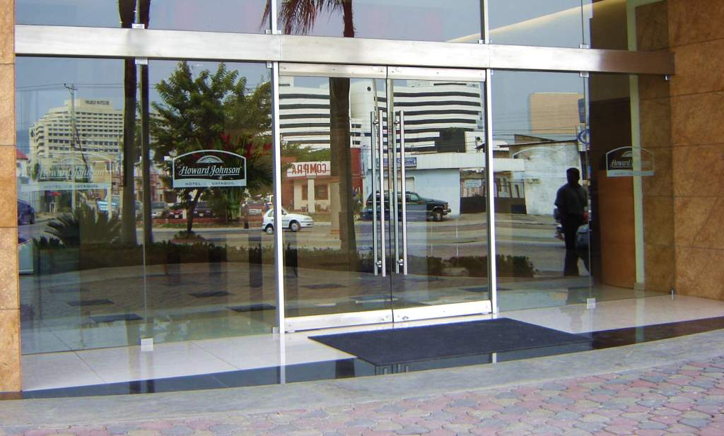Empresa de puertas automáticas de cristal Valencia - Servicios de calidad